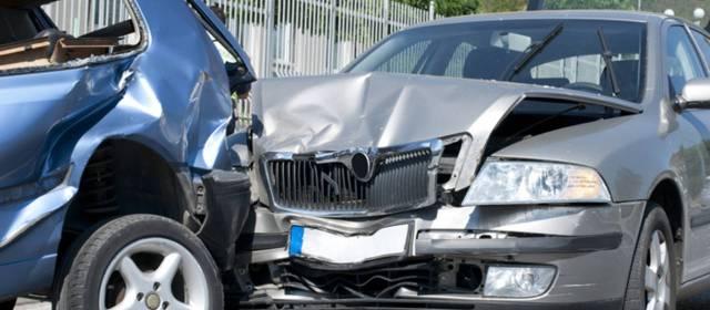 Consulta Gratuita en Español Cercas de Mí con Abogados de Accidentes y Choques de Autos y Carros en Los Angeles California